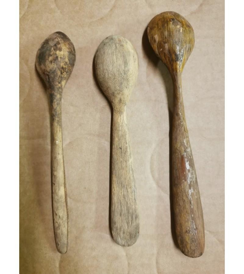 Šaukštai mediniai, senoviniai. 3 vnt. Kaina po 6