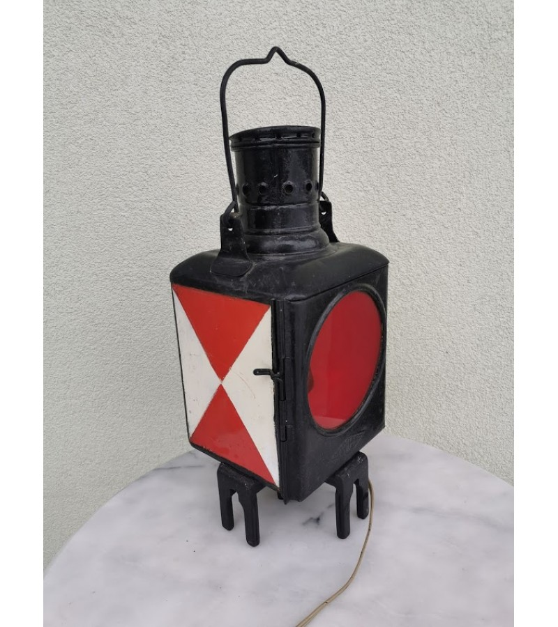 Žibintas, signalinė lempa geležinkeliečių elektrifikuotas Osmeka Osnabruch. Vokietija. Veikiantis, 220 V. Kaina 68