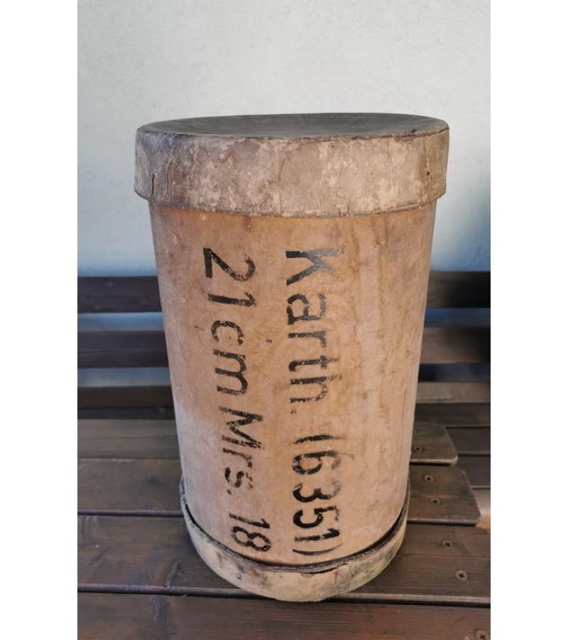 Dėklas kartoninis vokiečių sviedinio 21cm Mrs.18 (21cm Mörser 18). Kaina 127
