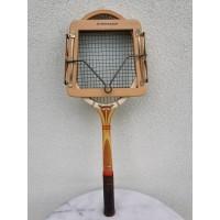 Raketė teniso vintažinė, medinė DUNLOP. Frame by Dunlop, England. Kaina 38