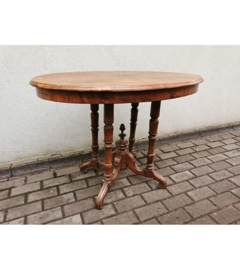 Stalas antikvarinis, ovalus, medžio masyvo. Kaina 93