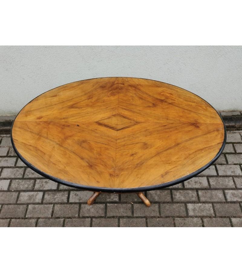 Stalas antikvarinis, ovalus, medžio masyvo. Kaina 78