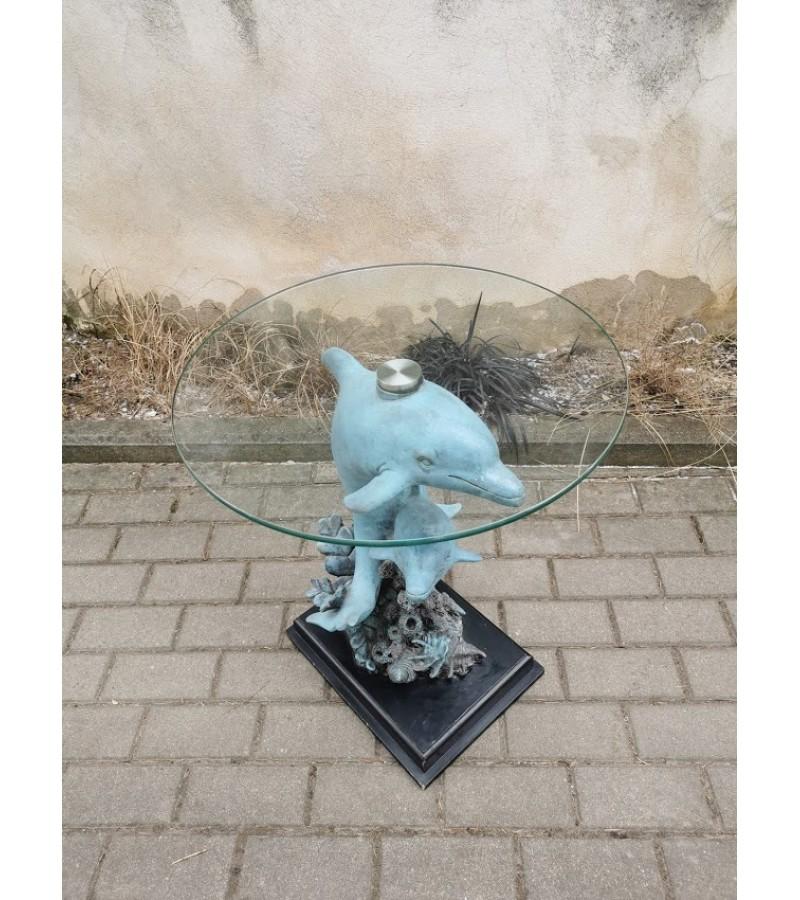 Stalas stikliniu stalviršiu su delfinų skulptūromis, vintažinis, sunkus. Tvirtas ir stabilus. Kaina 237