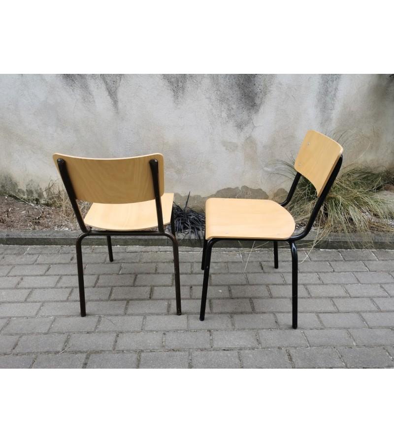 Kėdės skandinaviškos. Tvirtos ir lengvos. 2 vnt. Kaina po 23