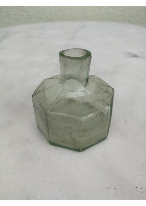 Antikvarinis rašalo buteliukas. Kaina 13