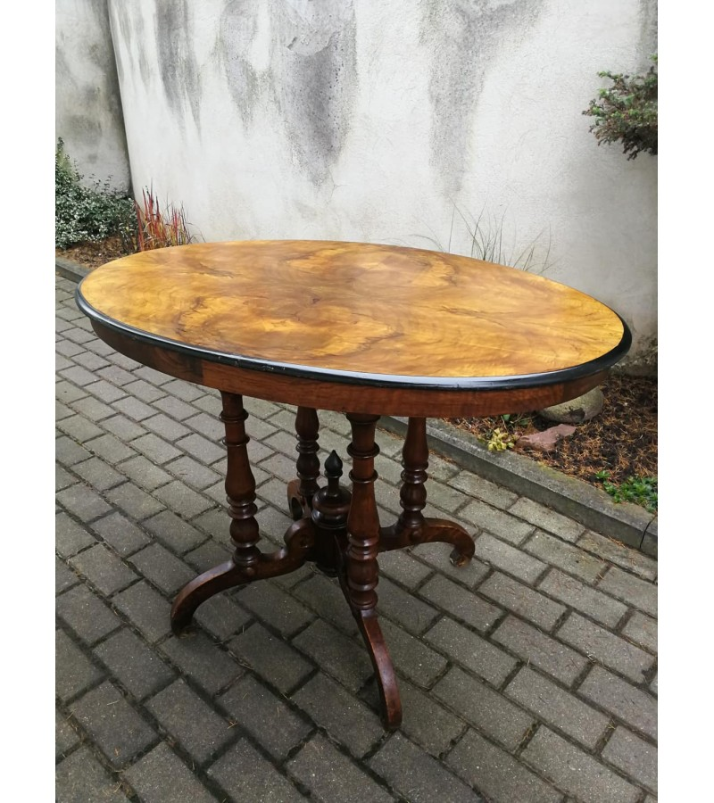 Stalas ovalas antikvarinis, nedidelis. Kaina 87