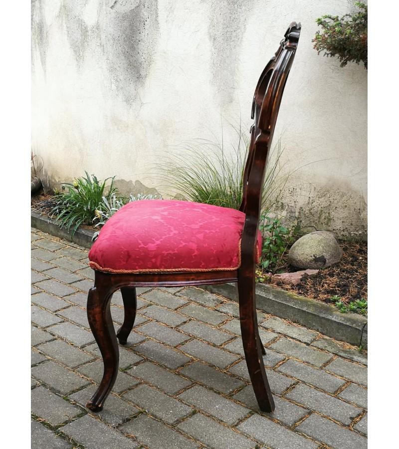 Kėdė antikvarinė. Kaina 48