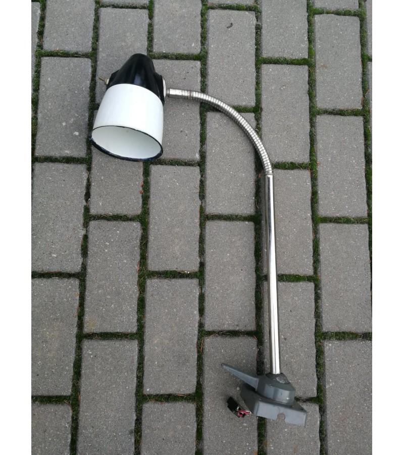 Lempa industrinė, tarybinė, reguliuojama. 1986 m. Kaina 52