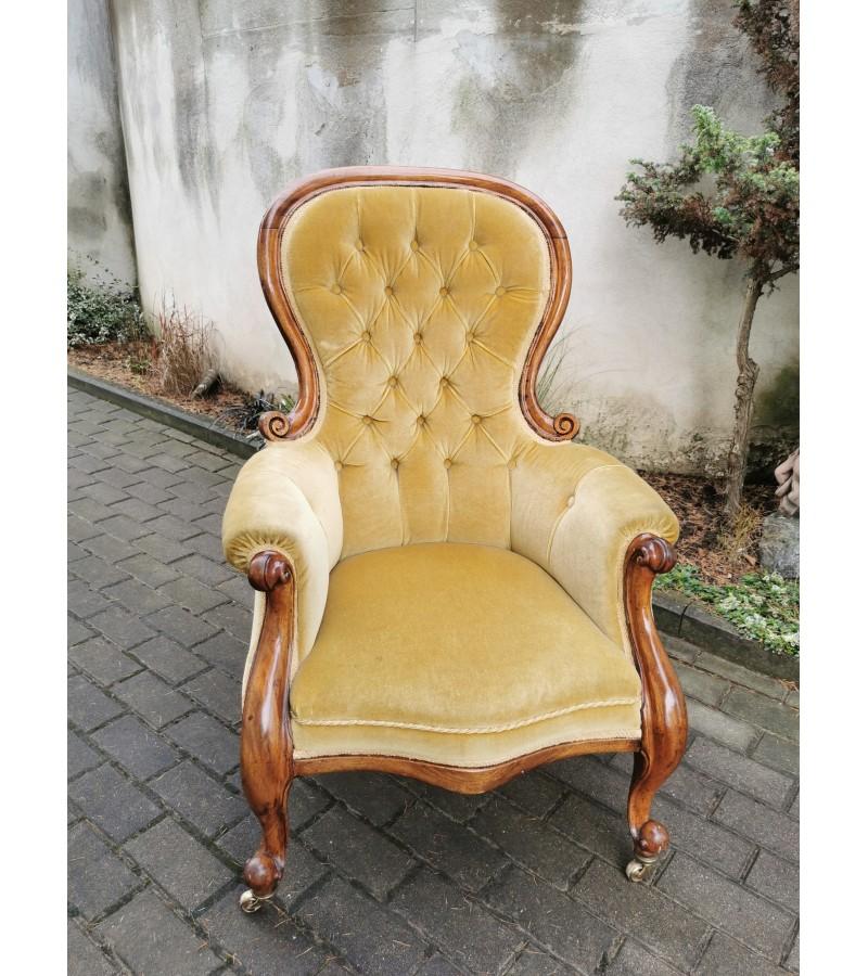 Fotelis antikvarinis, didelis. Kaina 257