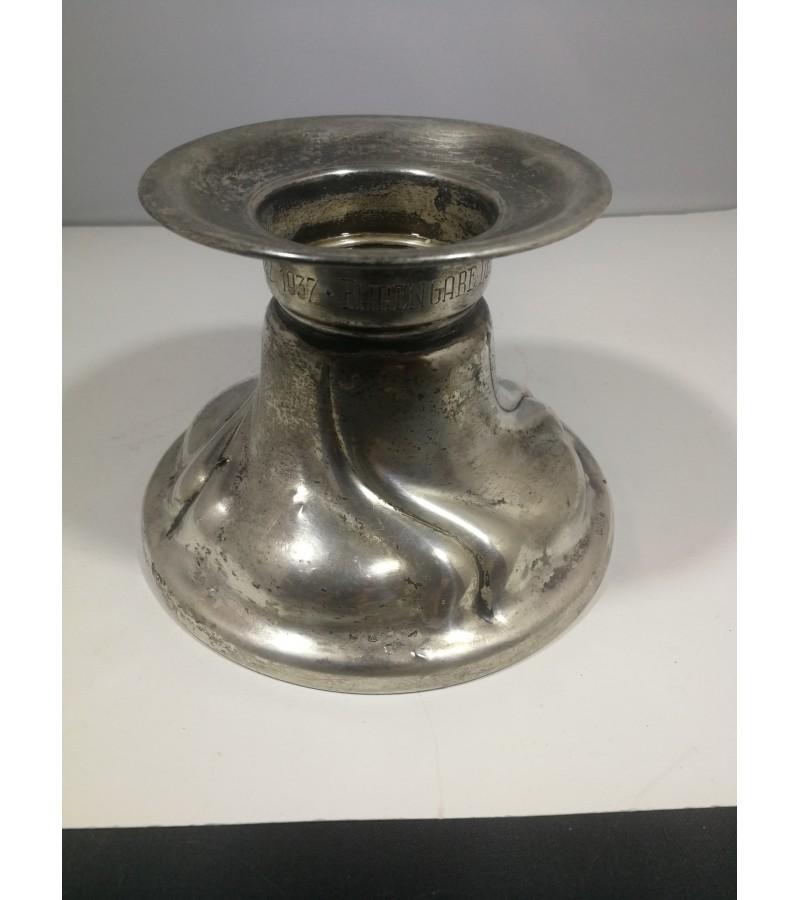 Žvakidė sidabrinė, antikvarinė. 116,9 gr. Praba 835. Vokietija. 1937 m. Kaina 105