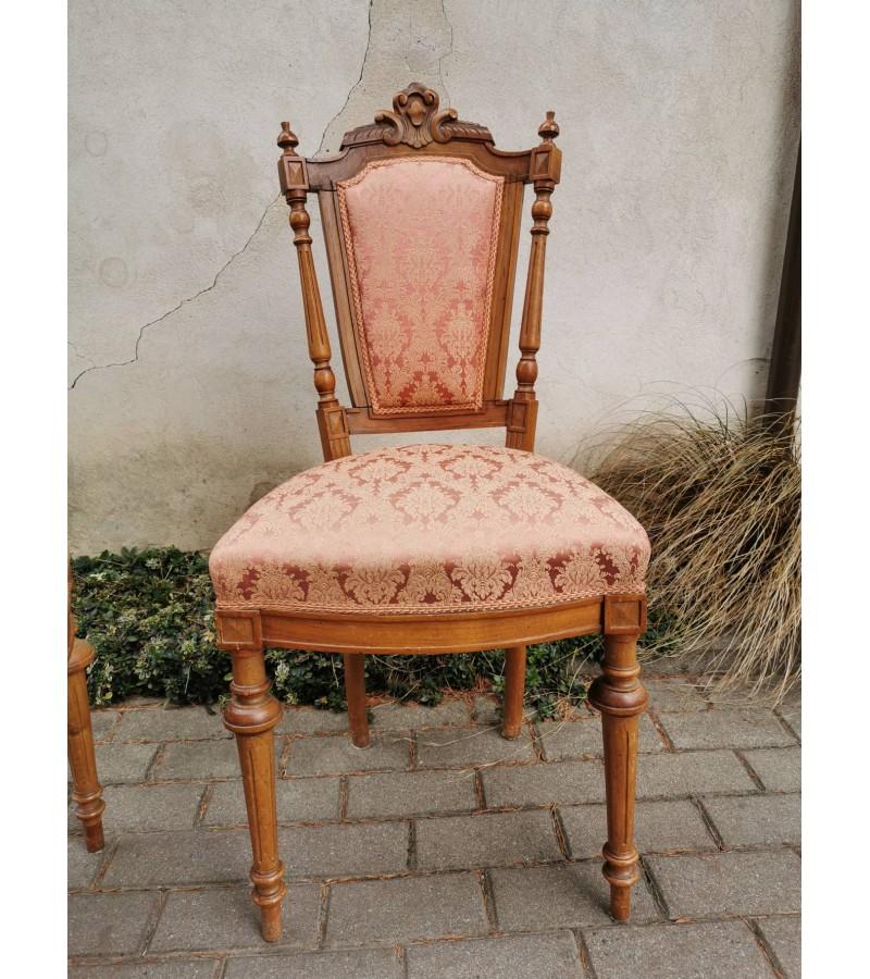 Kėdės antikvarinės. 2 vnt. Kaina po 52