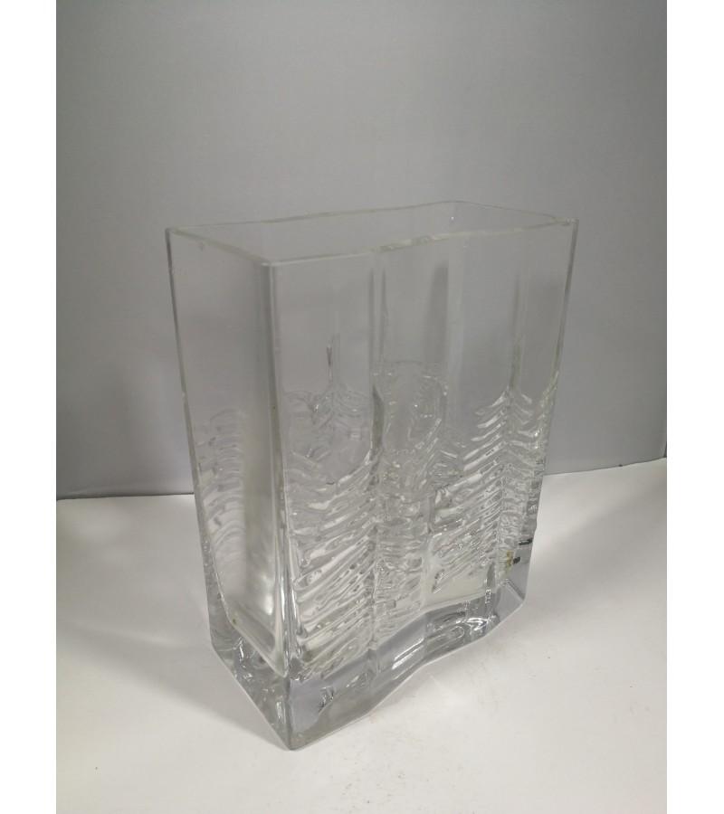 Vaza vintažinė, stiklinė. Kaina 13