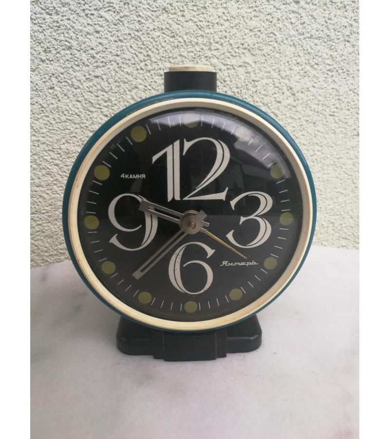 Laikrodis žadintuvas tarybinis. Kaina 18