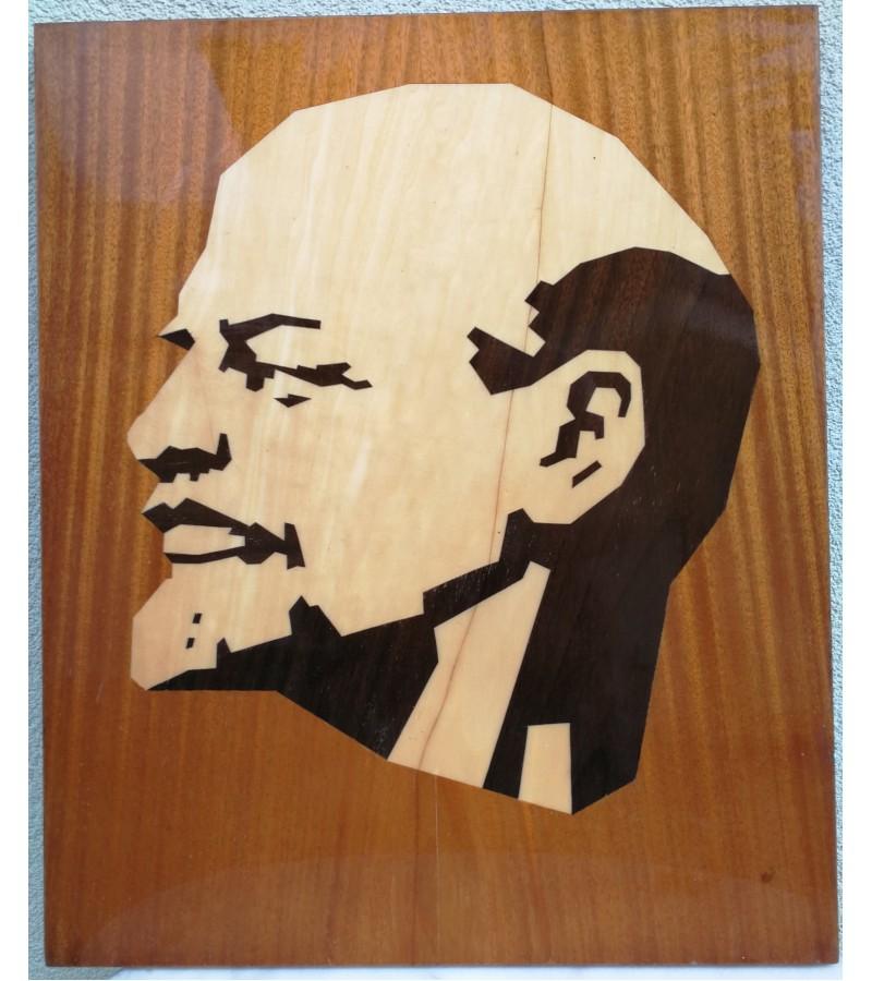 Lenino portretas klijuotos medienos. Kaina 32