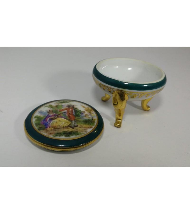 Dėžutė porcelianinė Limoges France. Kaina 21