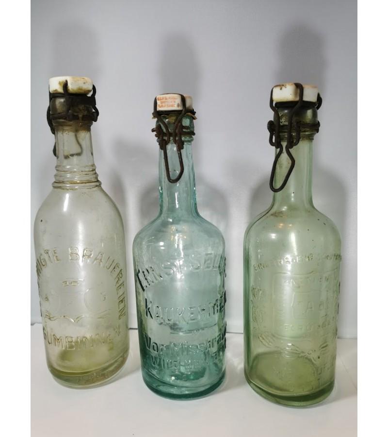 Buteliai alaus antikvariniai reljefiniais užrašais. Kaina po 8