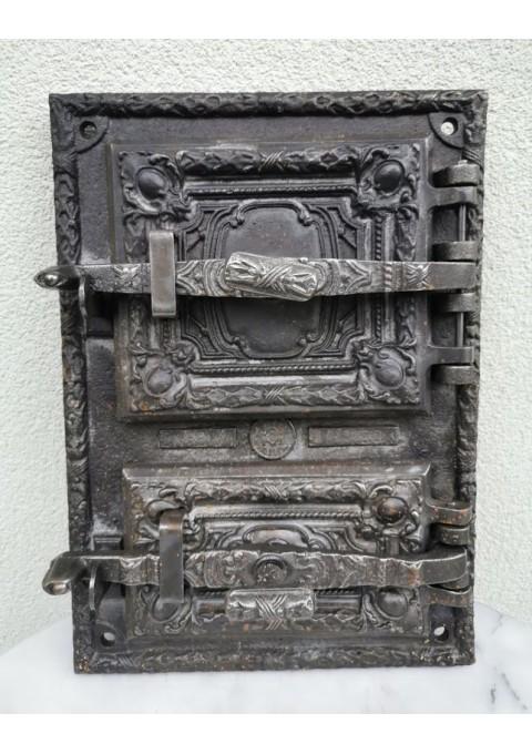 Krosnies, pečiaus durelės su rėmu, antikvarinės, ketaus (špižinės). Kaina 92