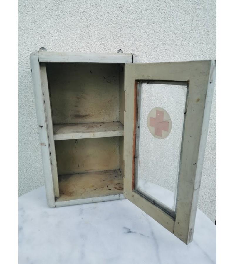 Vaistinėlė antikvarinė, vintažinė, medinė. Kaina 58