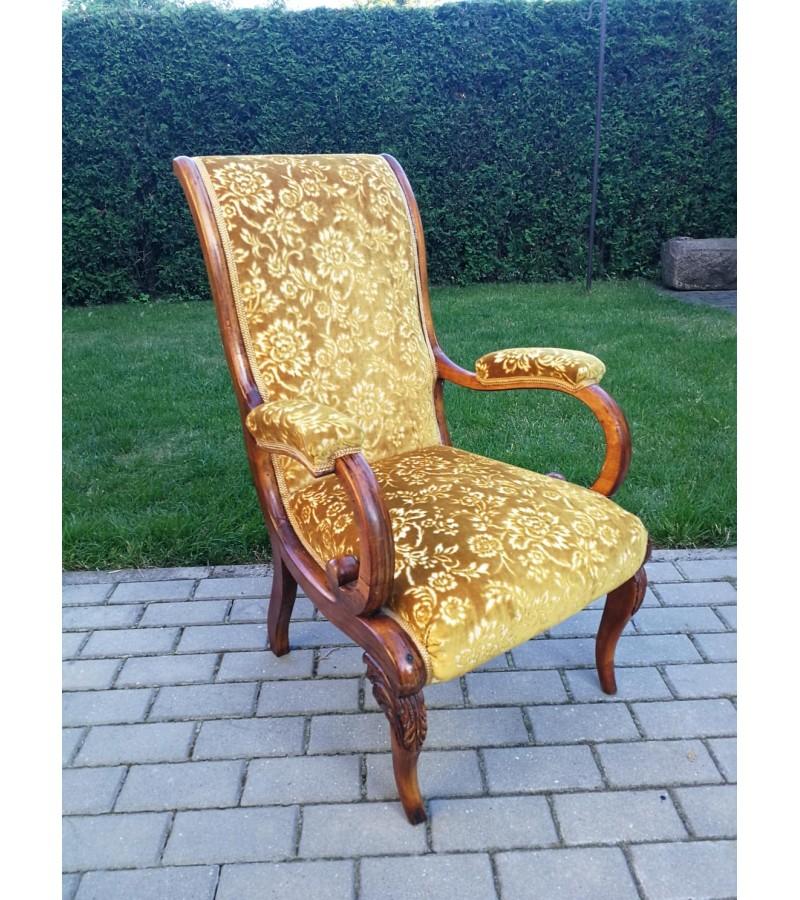 Fotelis - krėslas antikvarinis. Kaina 92