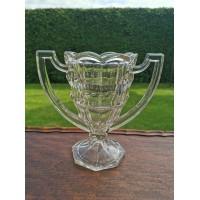 Vaza, taurė Art Deco stiliaus stiklinė, antikvarinė. Kaina 63
