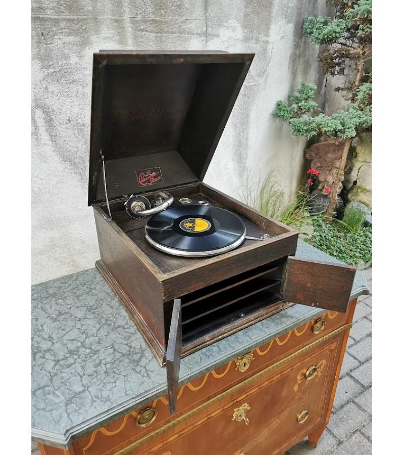 Gramofonas, patefonas antikvarinis CREMONA REX. Prisukamas, veikiantis. Kaina 167