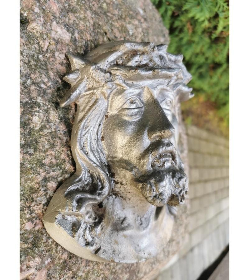 Bareljefas  Jėzaus Kristaus reljefinis, antikvarinis, aliuminis. Kaina 33