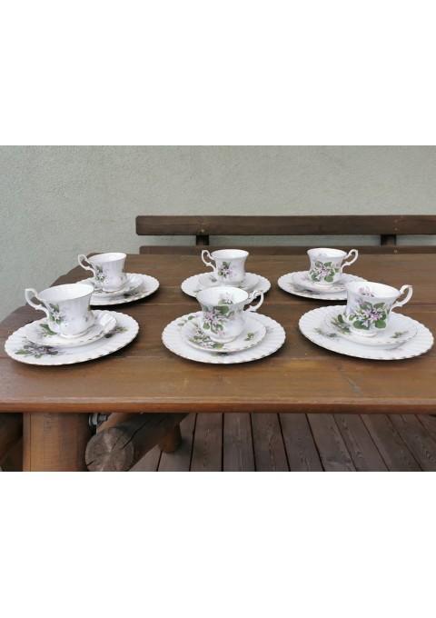 Puodeliai porcelianiniai su dviem lėkštutėmis. Royal Albert Bone China England Mayflower. 6 vnt. Kaina 18