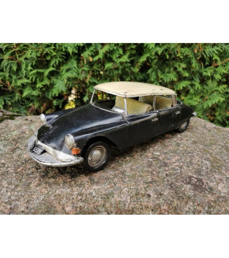 Mašina skardinė 1956 Citroën DS 19. Kaina 63