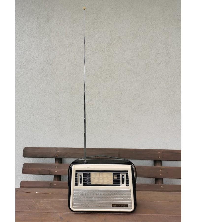 Radija VEF-SPIDOLA. 1962 m., tarybinė. VEF Radio Works (Valst Elektrotechniska Fabrika, ВЕФ); Riga. Netikrinta. Kaina 87