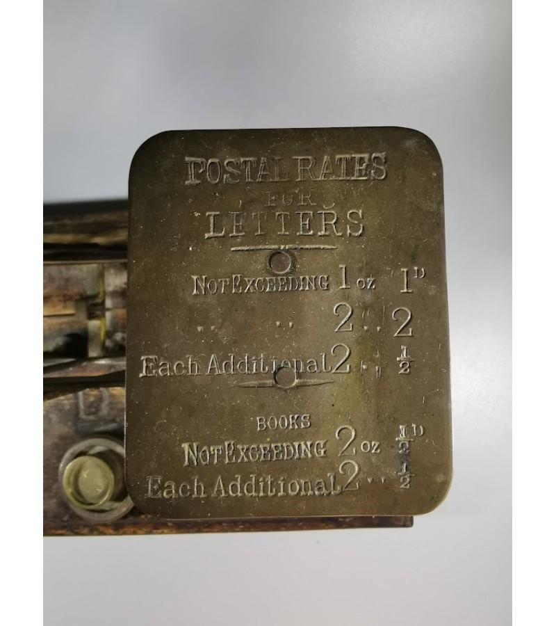 Svarstyklės antikvarinės pašto su svarelias, originalios. Anglija. Kaina 73