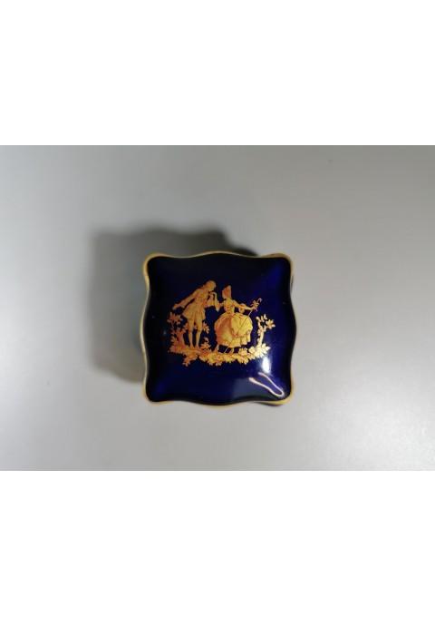 Dėžutė porcelianinė Limoges France kobalto spalvos. Kaina 16