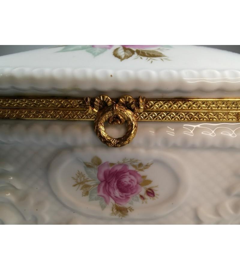 Dėžutė, skrynelė porcelianinė LEC Limoges France Porcelaine D'art exlusivite R. Leclair. Kaina 68