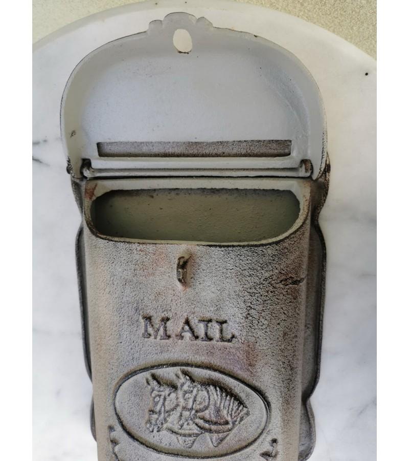 Pašto dėžutė ketaus, špižinė. Olandija. Kaina 92