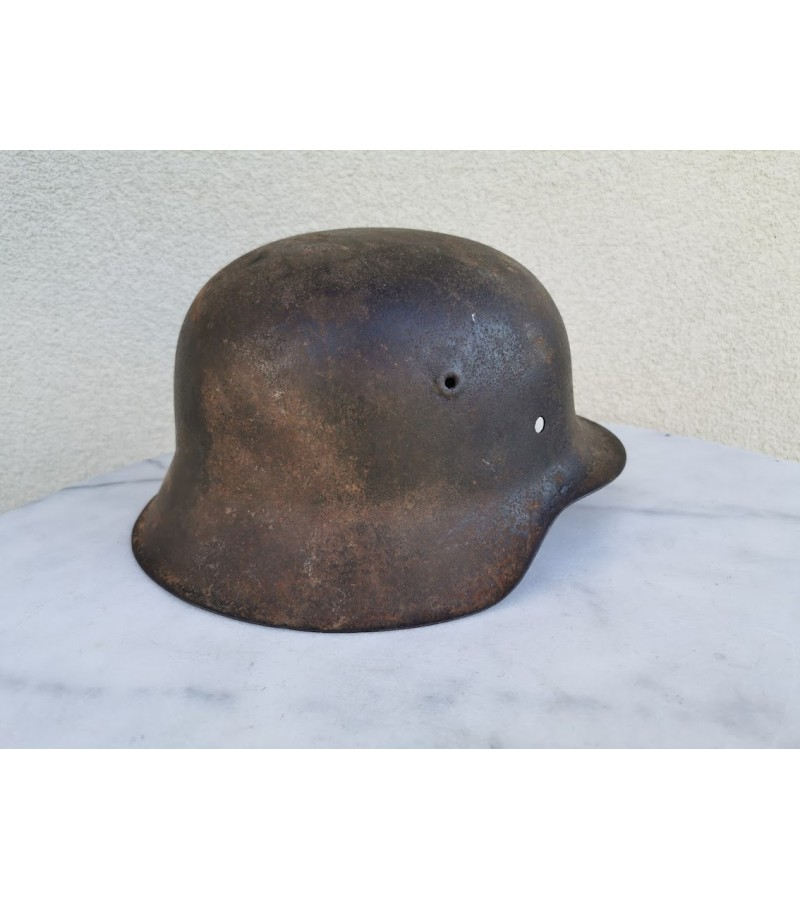 Vokiškas šalmas II PK. German helmet WW2. Kaina 126