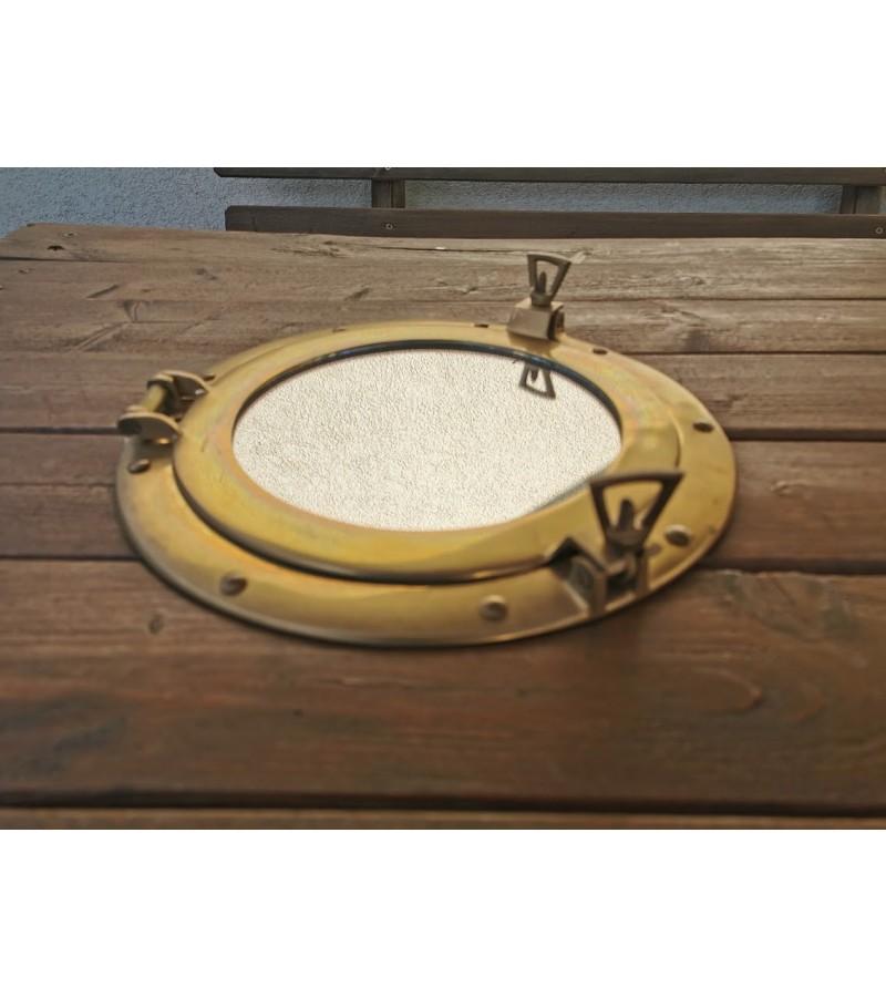 Laivo bronzinis iliuminatorius - veidrodis atidaromas. 2 vnt. Svoris 1,4 kg. Kaina po 82