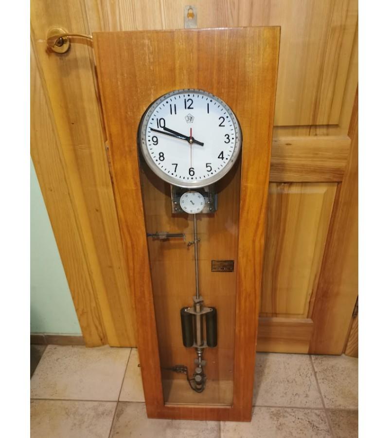 Laikrodis elektroimpulsinis ЗЧЛ, tarybinis, 1966 m. Įdėtas kvarcinis mechanizmas. Kaina 53