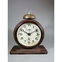 Laikrodis, žadintuvas 2 часовой завод Москва. Karbolitinis korpusas. Tarybinis, apie 1950 m. Veikiantis. Kaina 87