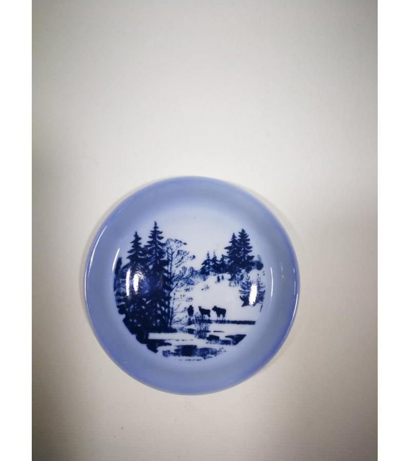 Lėkštelės dekoratyvinės, pakabinamos B&G porcelianas. Danija. 3 vnt. Kaina 12 už visas.