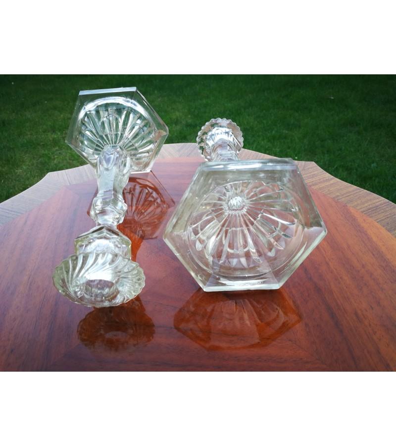 Žvakidės stiklinės, senovinės. 2 vnt. Kaina 22 už abi