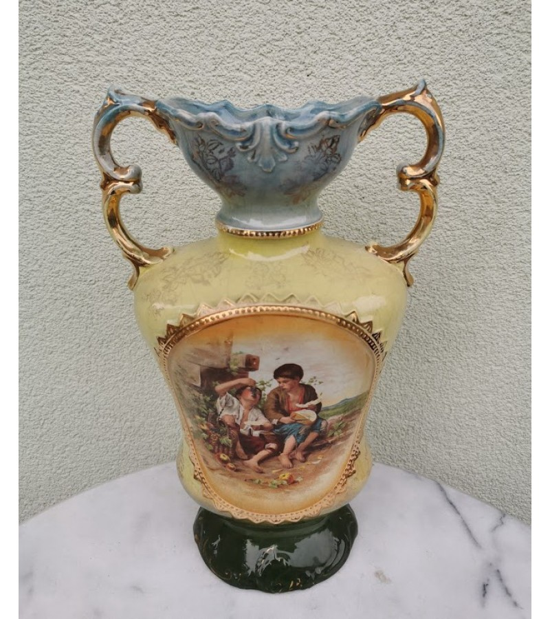 Vaza antikvarinė, fajanso. XX a. pirma pusė. Kaina 87