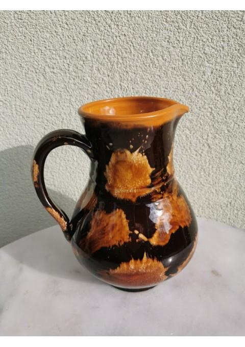 Ąsotis lietuviškas, keraminis, glazūruotas. Kaina 18