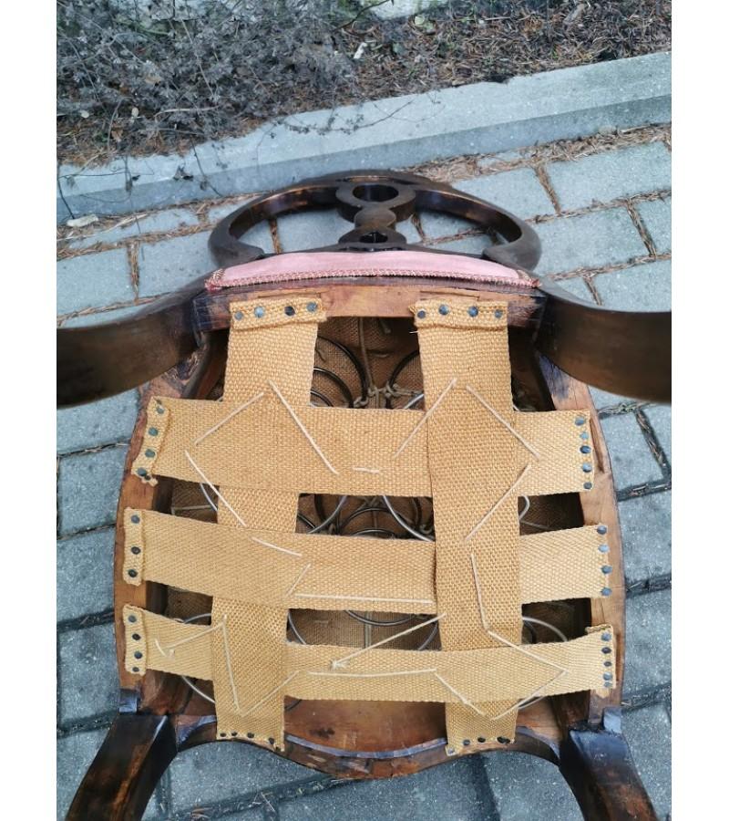 Kėdė antikvarinė, spyruoklinė. Kaina 43