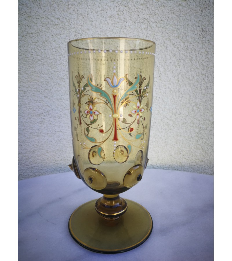 Taurė/vazelė antikvarinė Jugendstil. Kaina 28