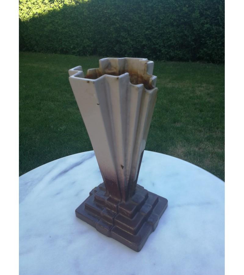 Vaza Art Deco, ketaus (špižinė), antikvarinė. Kaina 52