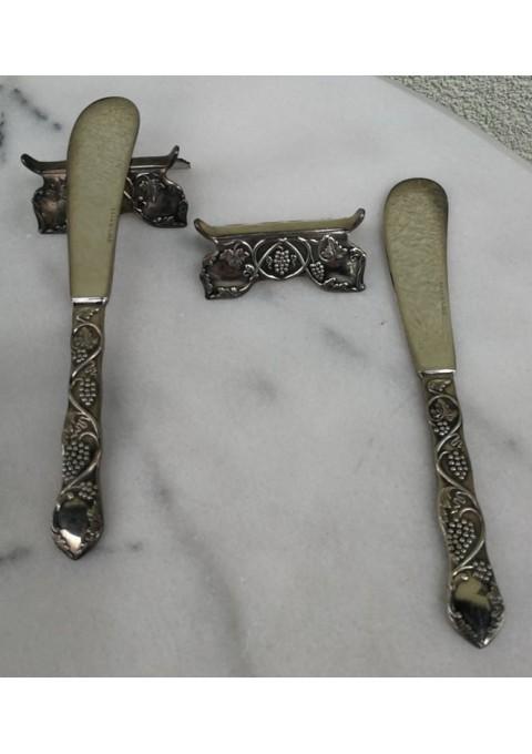Stalo įrankiai antikvariniai, sidabruoti. Kaina 12 už abu.