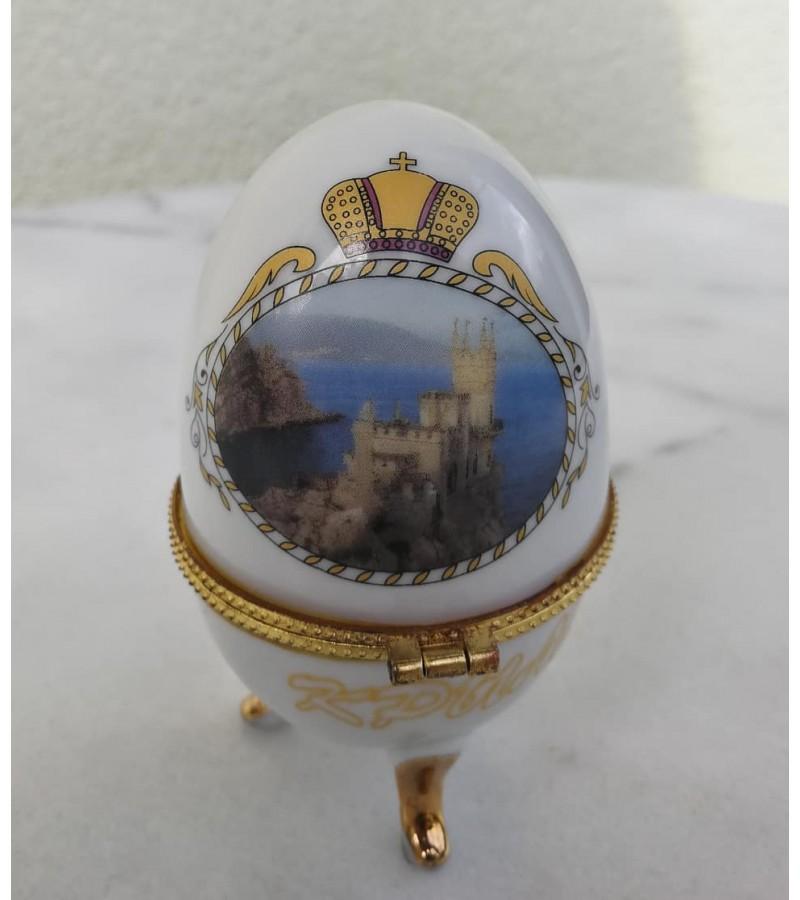 Kiaušinis, dėžutė porcelianinė Jalta, Krym (Ялта, Крым). Kaina 12