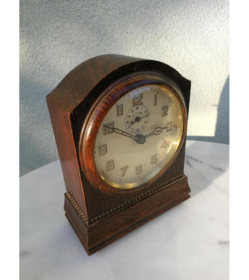 Laikrodis antikvarinis, pastatomas. Kaina 62