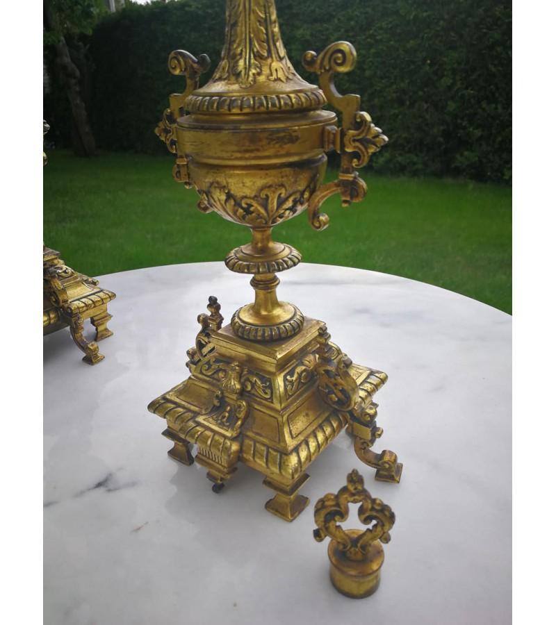Žvakidės, kandeliabrai ampyro stiliaus antikvarinės, bronzinės. 2 vnt. Kaina 395