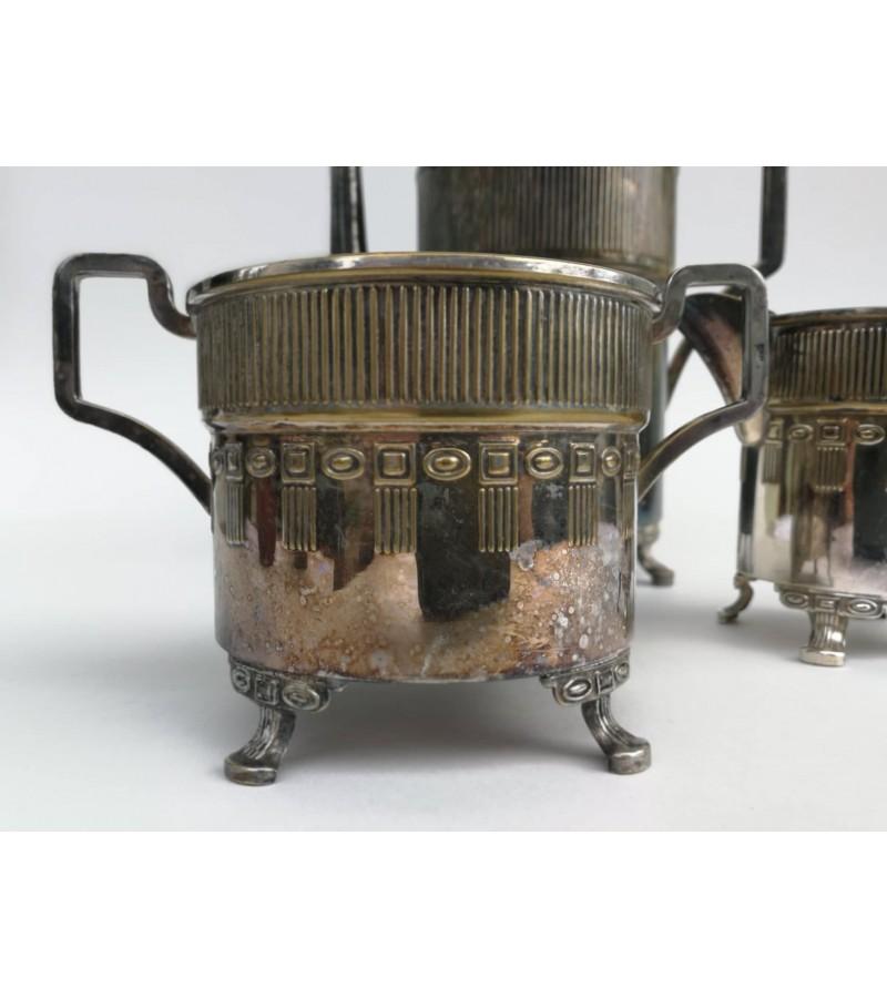 Komplektas antikvarinis, sidabruotas. Kaina 82