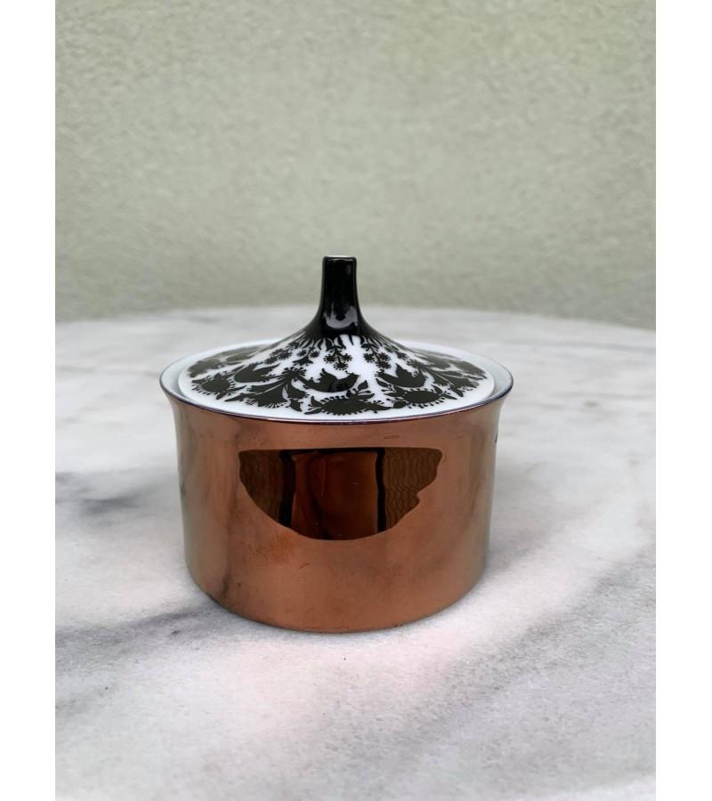 Dėžutė porcelianinė Rosenthal Hilton. Kaina 23